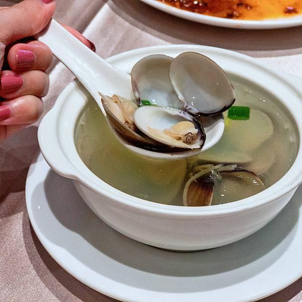 聚會 合菜 台菜 滿穗 雙人套餐 湯 薑絲蛤蜊湯.JPG