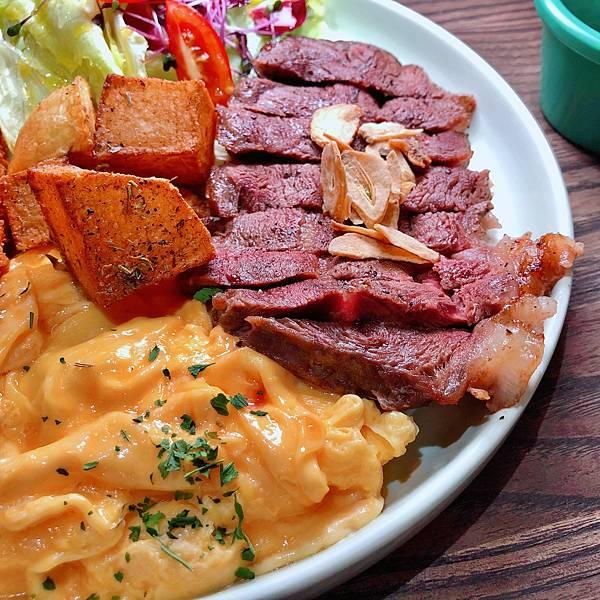 台北 中山站 早午餐 咖啡廳 夢鹿咖啡 嫩肩牛排法式吐司02.JPG