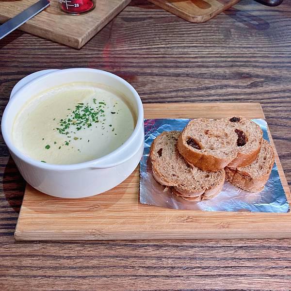 台北 中山站 早午餐 咖啡廳 夢鹿咖啡 嫩肩牛排法式吐司 套餐.JPG