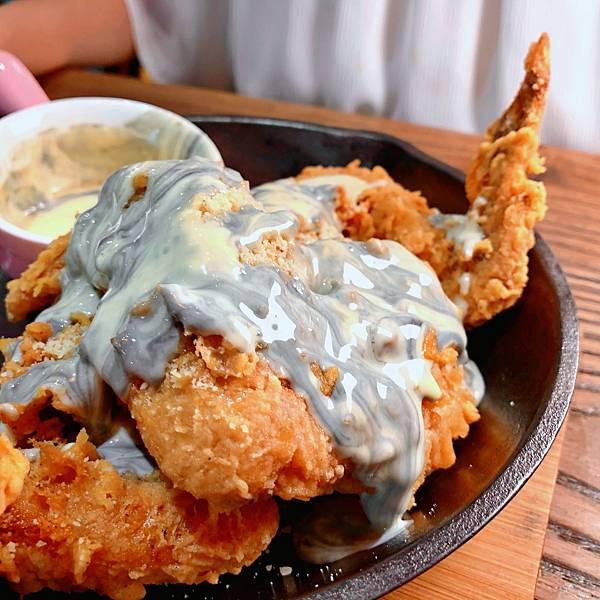 台北 中山站 早午餐 咖啡廳 夢鹿咖啡 大理石乳酪炸雞翅03.JPG