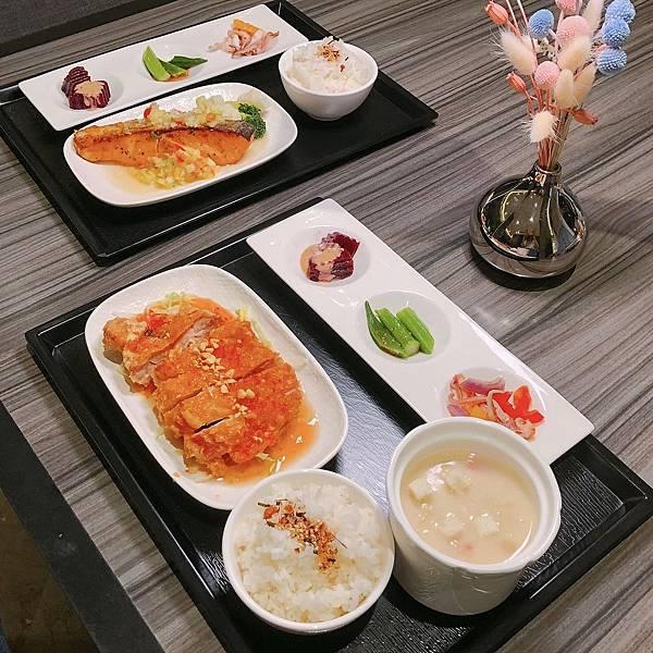 新北 新店區 白金花園酒店1.JPG
