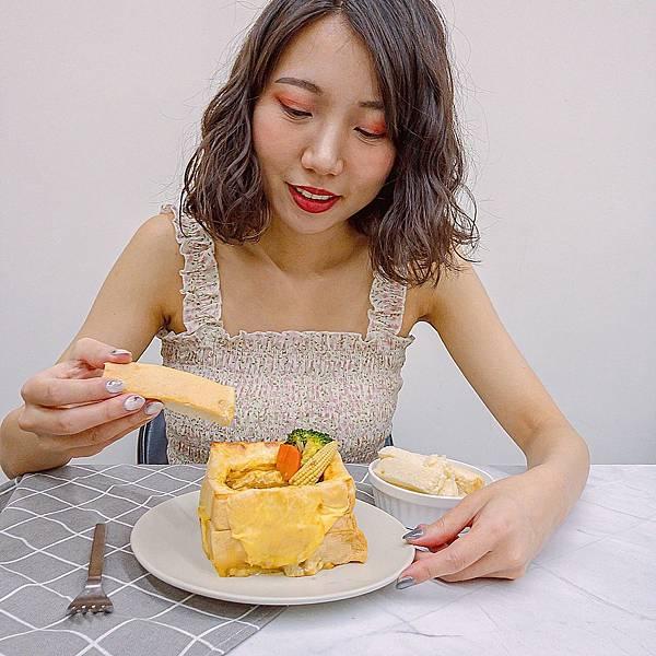 亞企味屋 AJIYA 冷凍咖哩 1.JPG