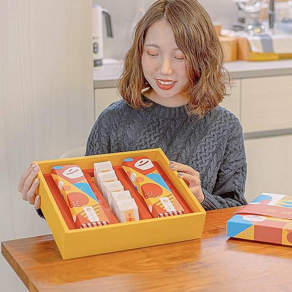 宅配美食 春上布丁年節禮盒 9.JPG