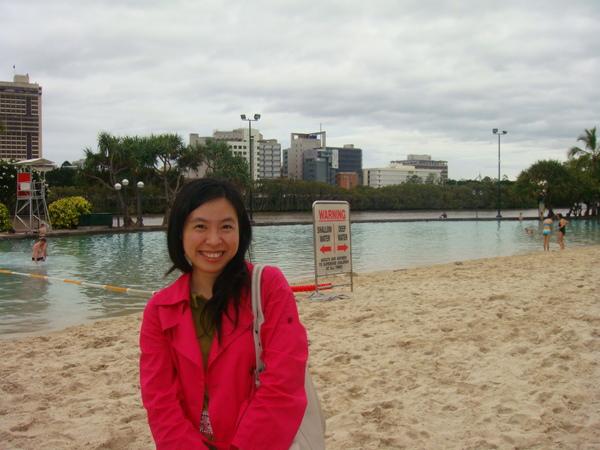 布里斯本最有名的人工沙灘(在城市內哦)