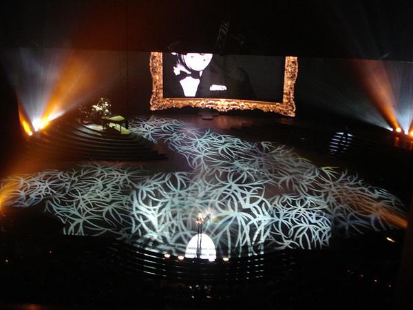 舞台燈光炫麗