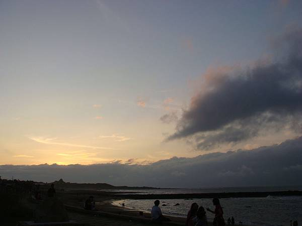 17 在老爸那裏待到快天黑,剛好在淺水灣欣賞一下夕陽.JPG