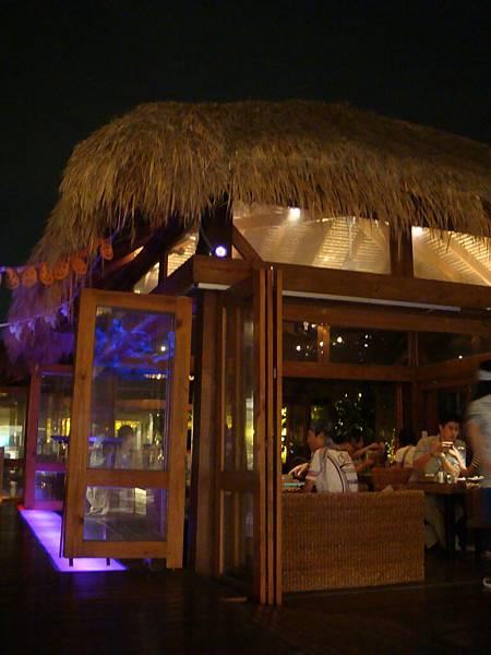 05 找個氣氛好的餐廳聊是非.JPG