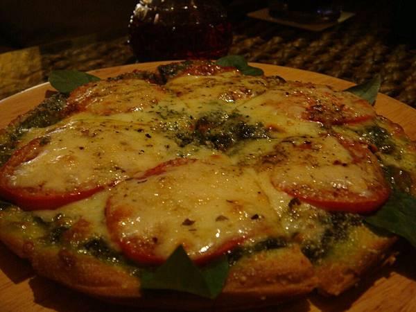 14 薄皮Pizza也很好吃....JPG