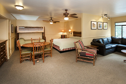 yosemite-valley-lodge_family-room_002_500x333.jpg