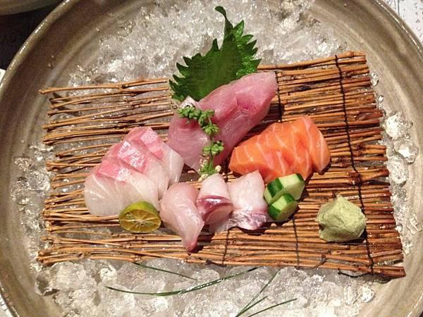 人間泉五-綜合生魚片