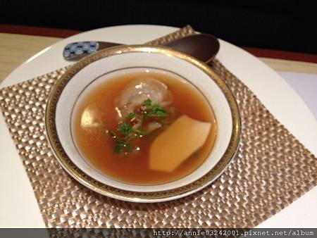 藍屋日本料理-魚翅煲