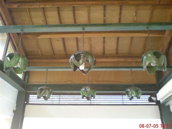 陶瓷製作的燈罩蠻特別
