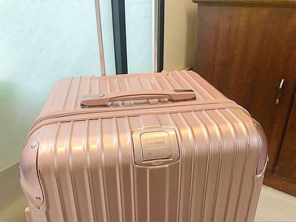 專業行李箱/行李箱推薦/冬季行李打包/奧莉薇閣37比運動版行李箱