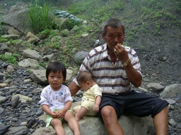叔公和他的寶貝孫…