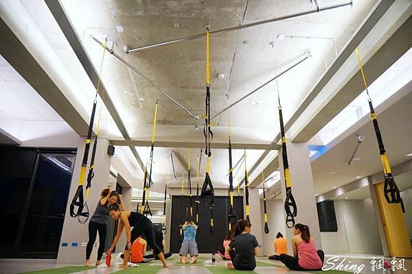 Core Yoga TRX 04.JPG