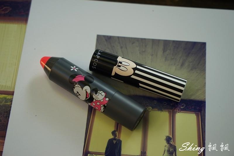 韓國 LAPCOS x Disney 迪士尼聯名維他命E保濕潤唇膏+超顯色LED奶油唇膏 04.JPG