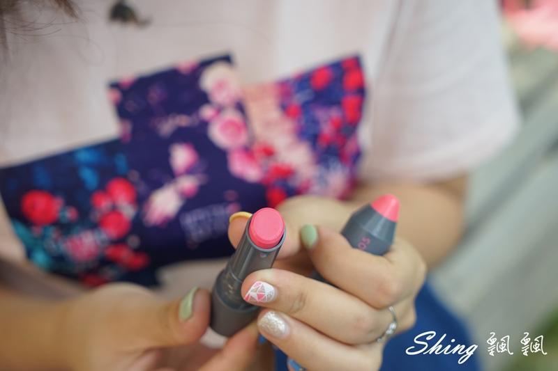 韓國 LAPCOS x Disney 迪士尼聯名維他命E保濕潤唇膏+超顯色LED奶油唇膏 10.JPG