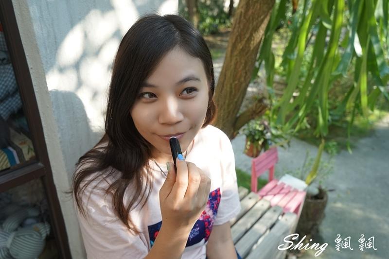 韓國 LAPCOS x Disney 迪士尼聯名維他命E保濕潤唇膏+超顯色LED奶油唇膏 06.JPG