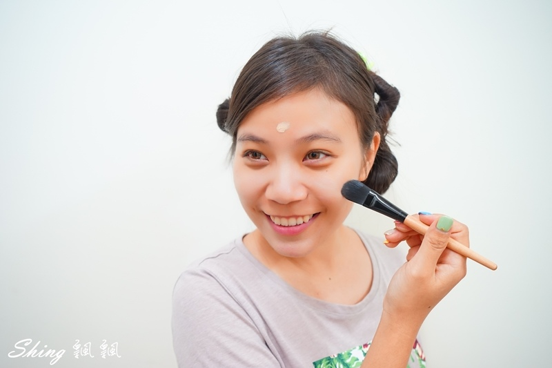 Miss Hana花娜小姐 絲絨無痕粉底液 08.JPG