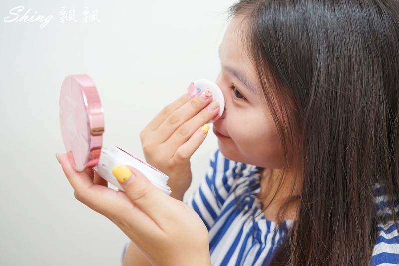 花娜小姐Miss Hana淨潤無暇金屬氣墊粉餅 14.JPG