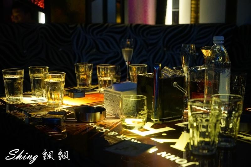 台中酒吧Myth 80.JPG