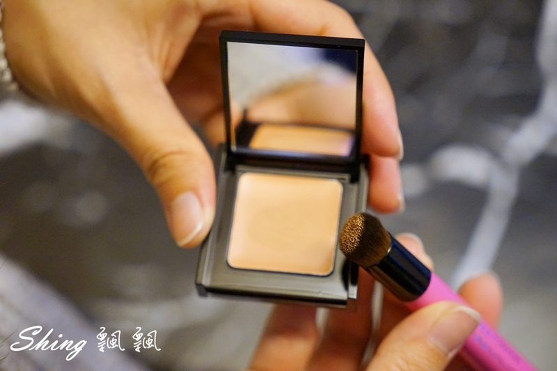 BeautyMaker美肌修修專業無痕遮瑕刷 06.JPG