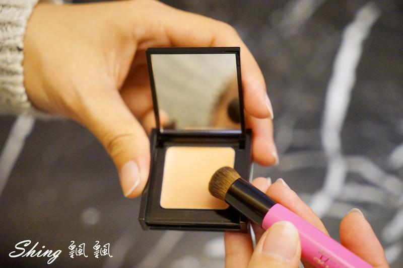 BeautyMaker美肌修修專業無痕遮瑕刷 05.JPG