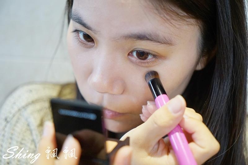 BeautyMaker美肌修修專業無痕遮瑕刷 11.JPG