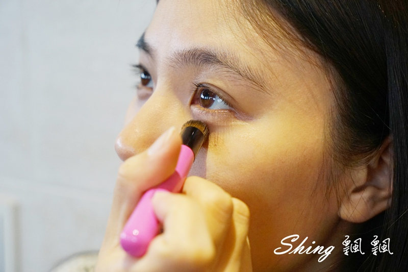 BeautyMaker美肌修修專業無痕遮瑕刷 10.JPG