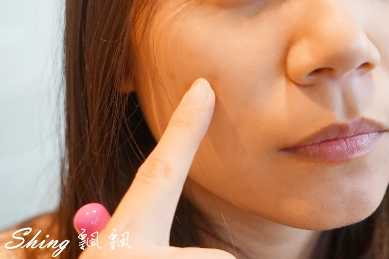 BeautyMaker美肌修修專業無痕遮瑕刷 07.JPG