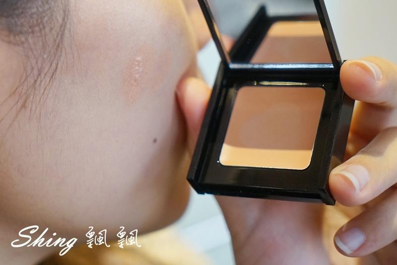 BeautyMaker美肌修修專業無痕遮瑕刷 08.JPG