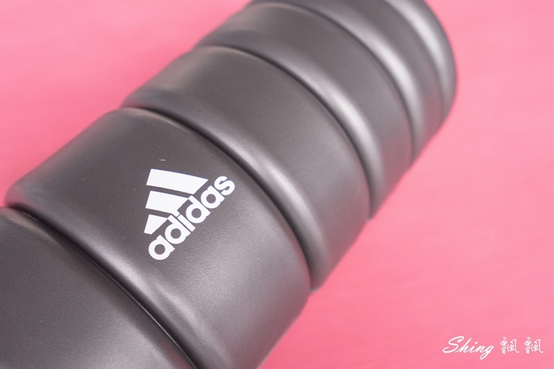 Adidas按摩泡棉滾筒06.JPG