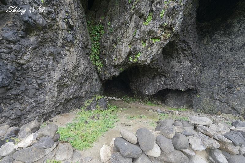 蘭嶼景點五孔洞 07.jpg