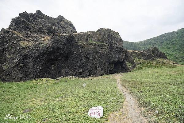 蘭嶼景點五孔洞 04.jpg