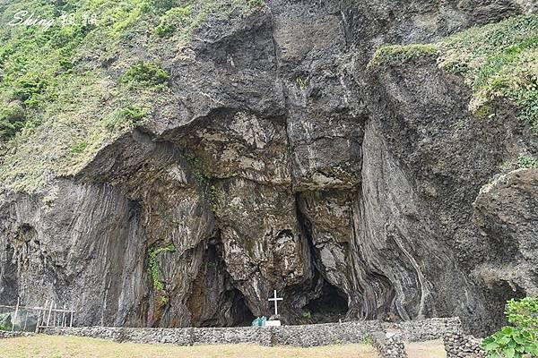 蘭嶼景點五孔洞 27.jpg