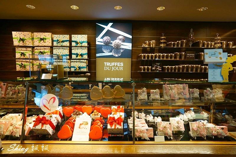 蘇黎世百年巧克力品牌旗艦店confiserie sprungli 18.JPG