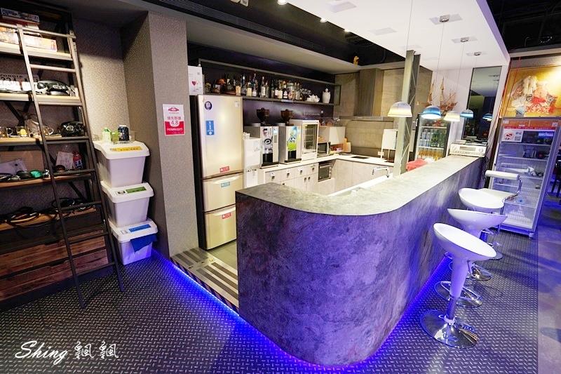 台北發現青旅膠囊旅店 44.JPG