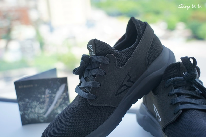 vtex防水鞋-輕量防水鞋推薦新款hello黑色穿搭 09.JPG