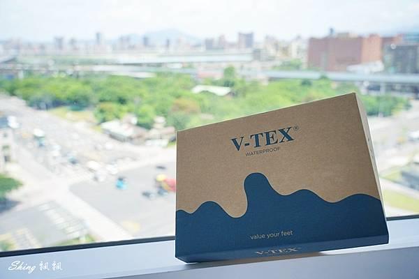 vtex防水鞋-輕量防水鞋推薦新款hello黑色穿搭 03.JPG