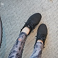 vtex防水鞋-輕量防水鞋推薦新款hello黑色穿搭 28.JPG