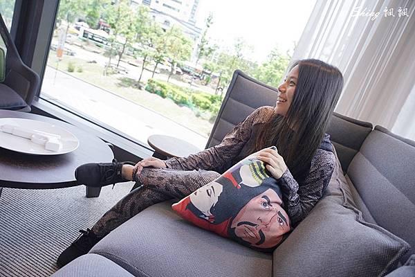 vtex防水鞋-輕量防水鞋推薦新款hello黑色穿搭 26.JPG