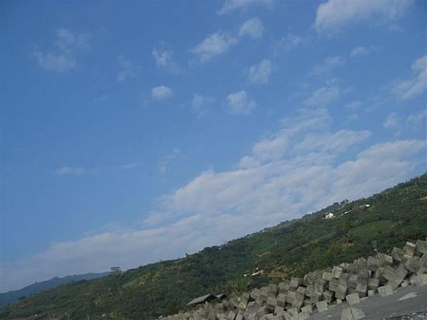 躺下看到的藍天