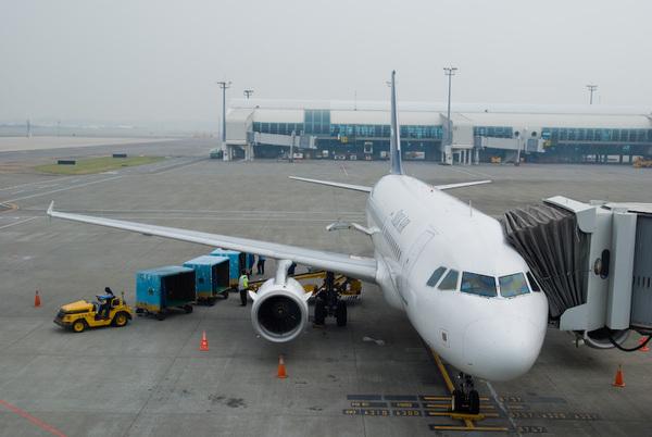 小港機場 Silk Air A319