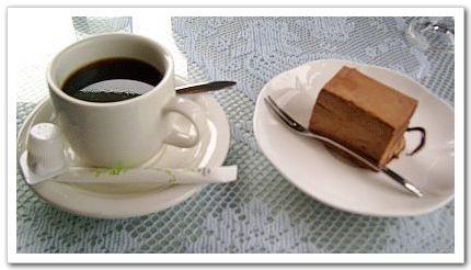 巧克力慕絲蛋糕和熱咖啡-六六西餐廳.jpg