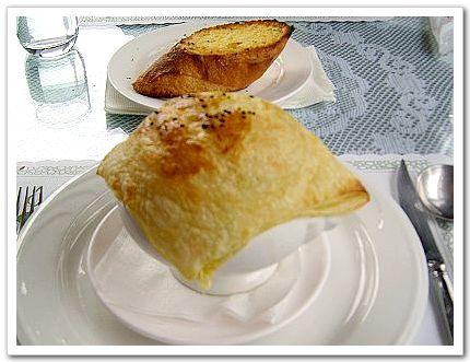 酥皮濃湯-六六西餐廳.jpg