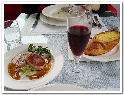 餐前紅酒&前菜-六六西餐廳.jpg