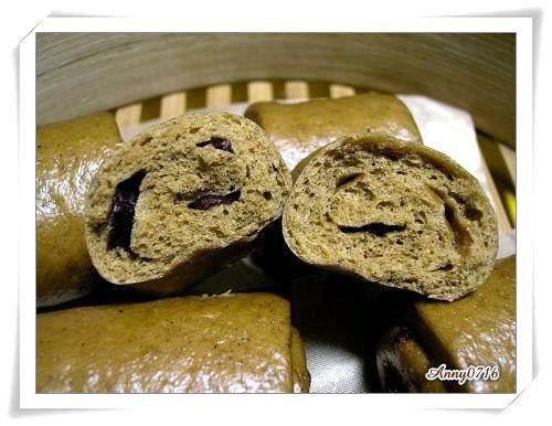 湯種黑糖雜糧蔓越莓饅頭撥開照-1.jpg