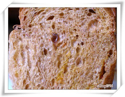 紅麴甜菜根雜糧果乾麵包內部組織-1.jpg