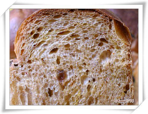 紅麴甜菜根雜糧果乾麵包內部組織-3.jpg