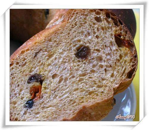 紅麴甜菜根雜糧果乾麵包內部組織-4.jpg
